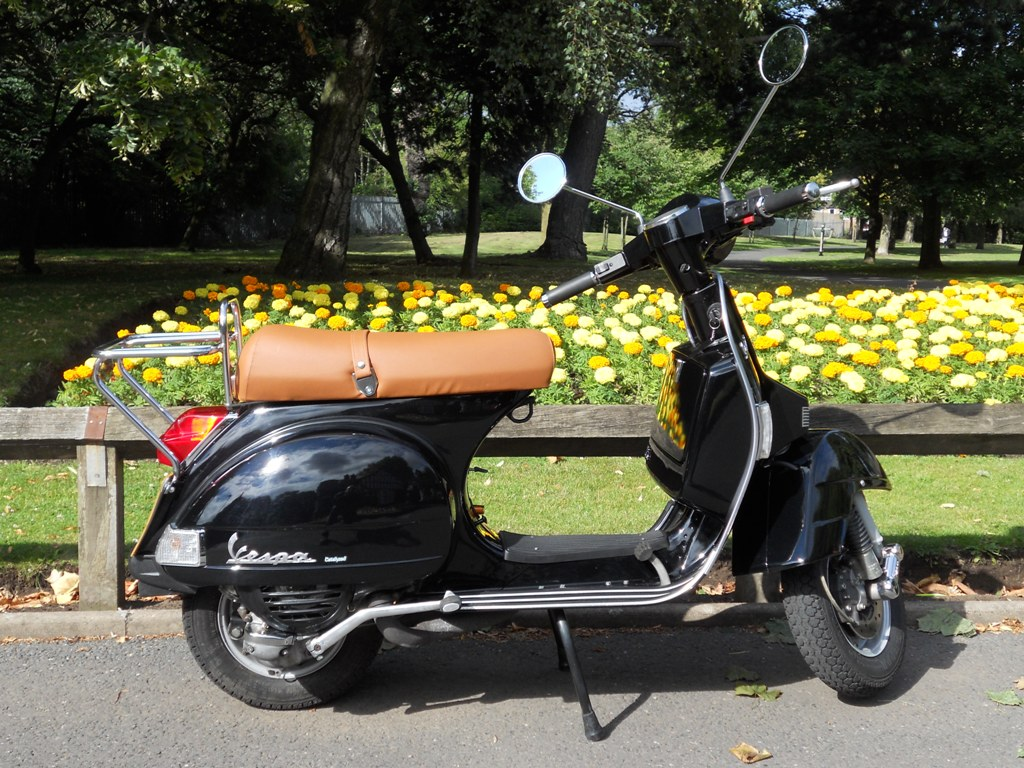 marvin 39 s 2007 vespa px125. Black Bedroom Furniture Sets. Home Design Ideas